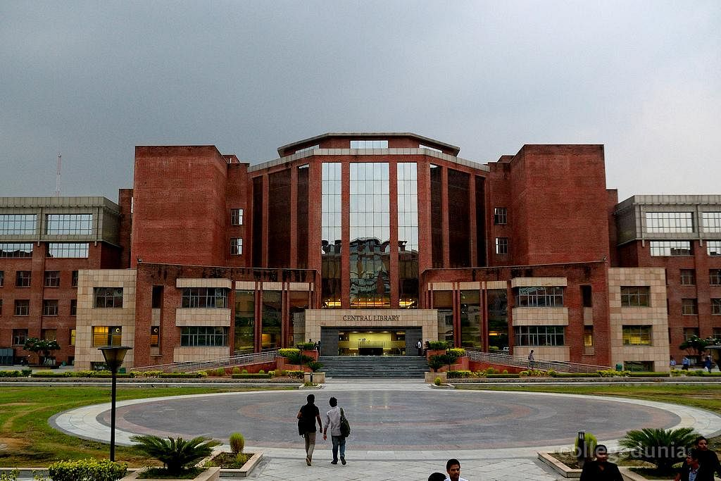 Top 10 Best Law Colleges In Uttar Pradesh With Fees & Courses